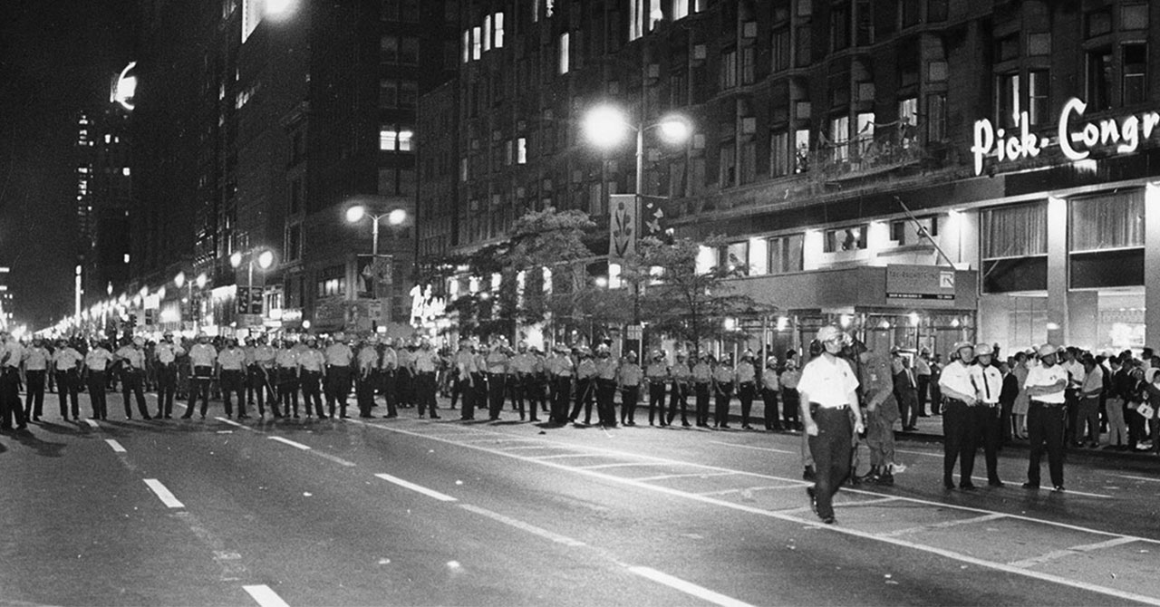 Police line up across road in Chicago during the Democratic National Convention in 1968